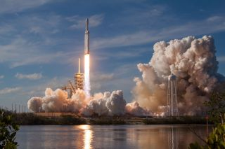 SpaceX Falcon Heavy First Launch