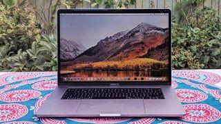 MacBook Pro (15 tum, 2018)