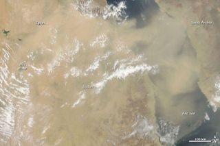 dust-storm-100716-02