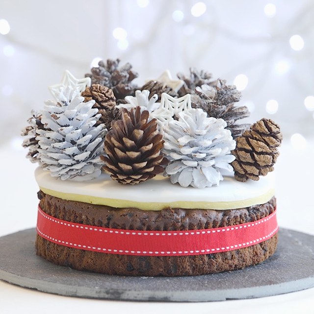 Christmas Cake Decorations.Christmas Cake Decorating Ideas
