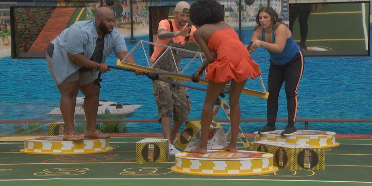 Team Jokers completing a puzzle Big Brother Season 23 CBS