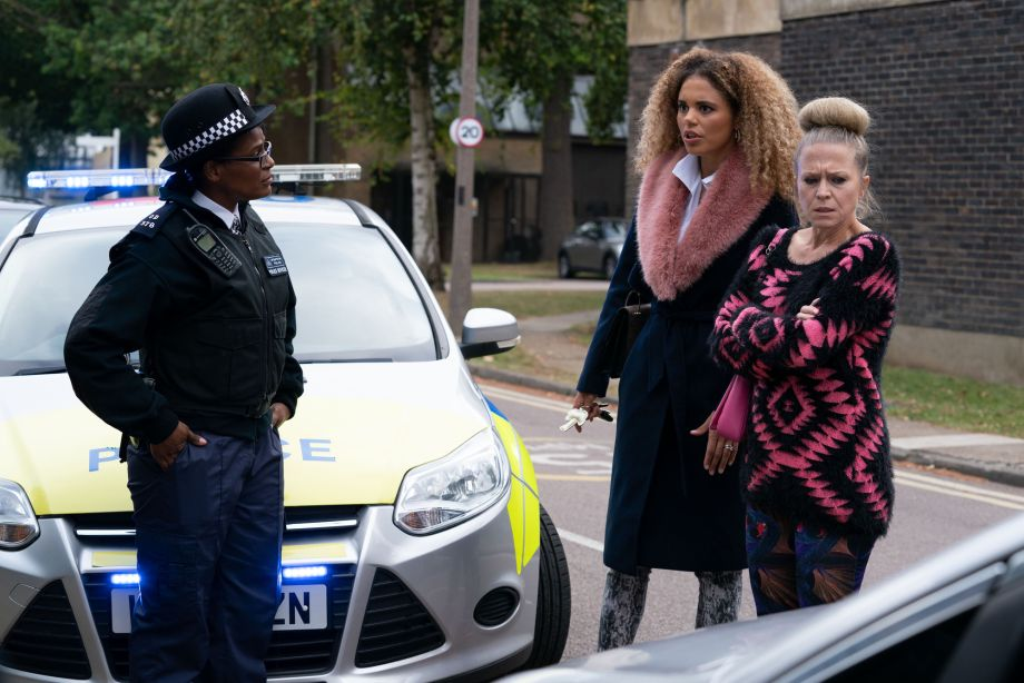 EastEnders Linda Carter defends herself against the police