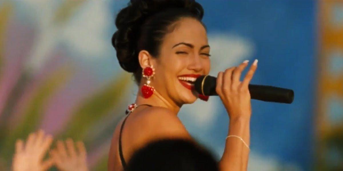 Jennifer Lopez singing in Selena