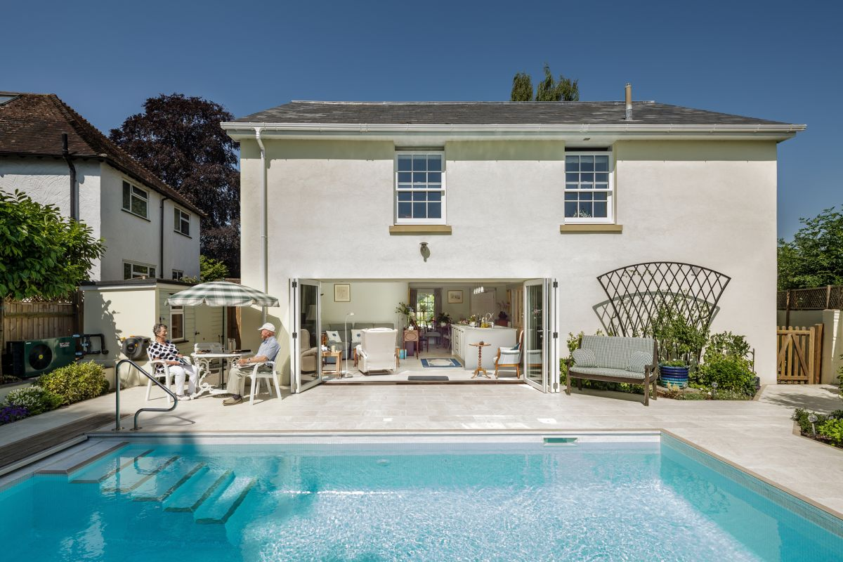 Heat Pumps for Swimming Pools: The Low Carbon Route to Warm Water
