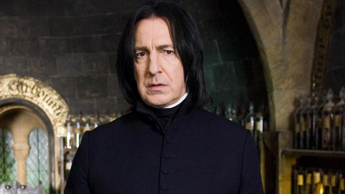 Viral Tweet Asks If Alan Rickman Villain Is The Best Of All Time... But Totally Uses The Wrong Movie Character
