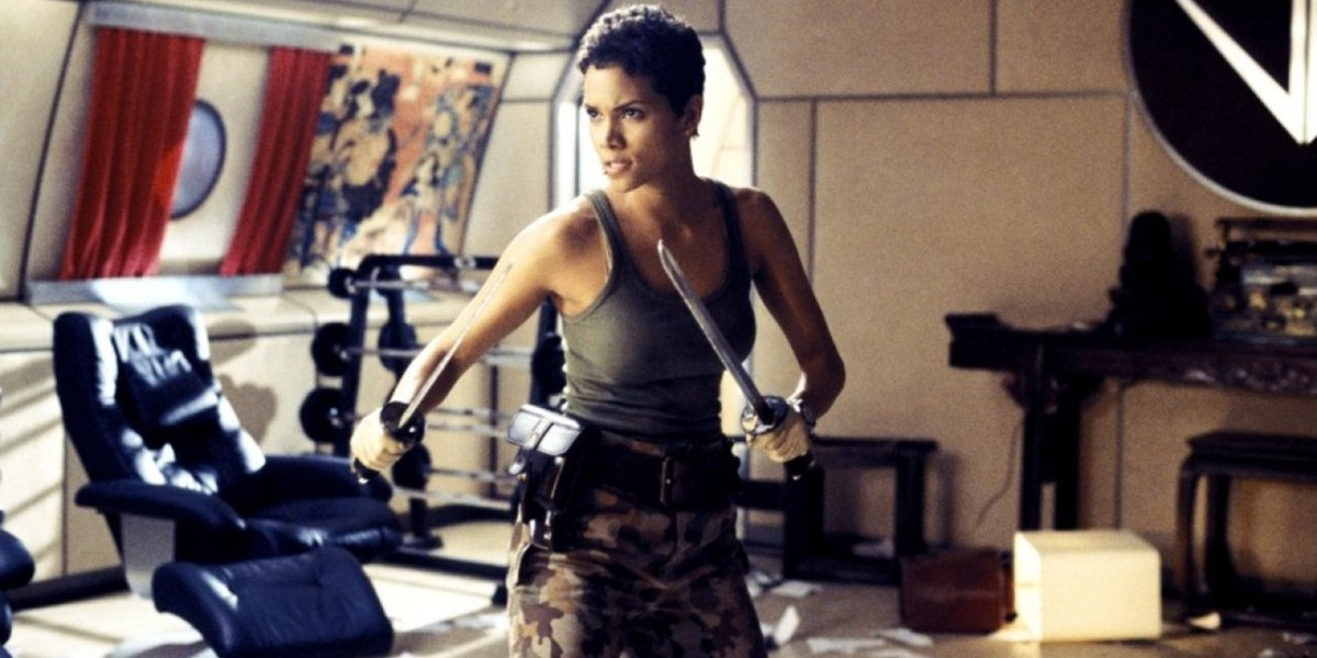 Halle Berry ready to fight with swords in Die Another Day.
