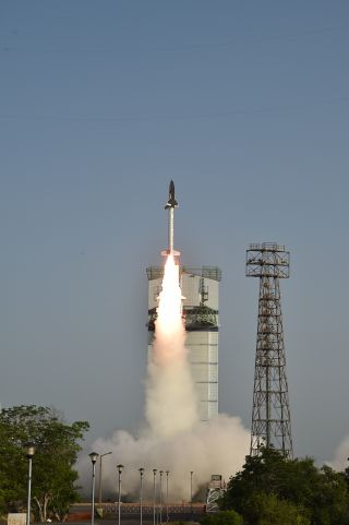 India Launches Robotic Space Plane