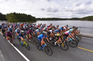 The peloton at the Ladies Tour of Norway 2021