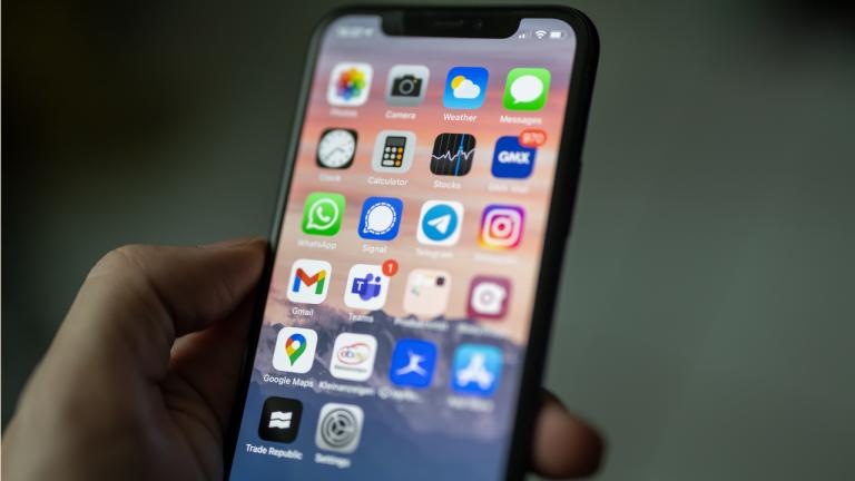 iPhone iOS 14.5
