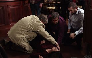 Corrie fans want Tracy Barlow and Carla to bond over their kidney failures