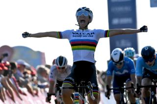 Picture by Simon Wilkinson/SWpix.com - 09/10/2021 - Cycling - AJ Bell Women's Tour of Britain - Stage Six: Haverhill to Felixstowe, England - Elisa Balsamo of Team Valcar Travel & Service celebrating her win on stage six