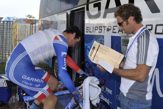 Max Sciandri checks on David Millar