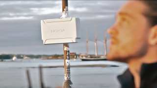 Nokia 5G small cell on a lamp post.