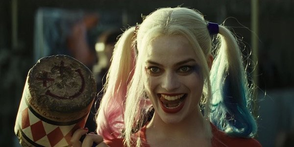 Harley with her hammer in Suicide Squad