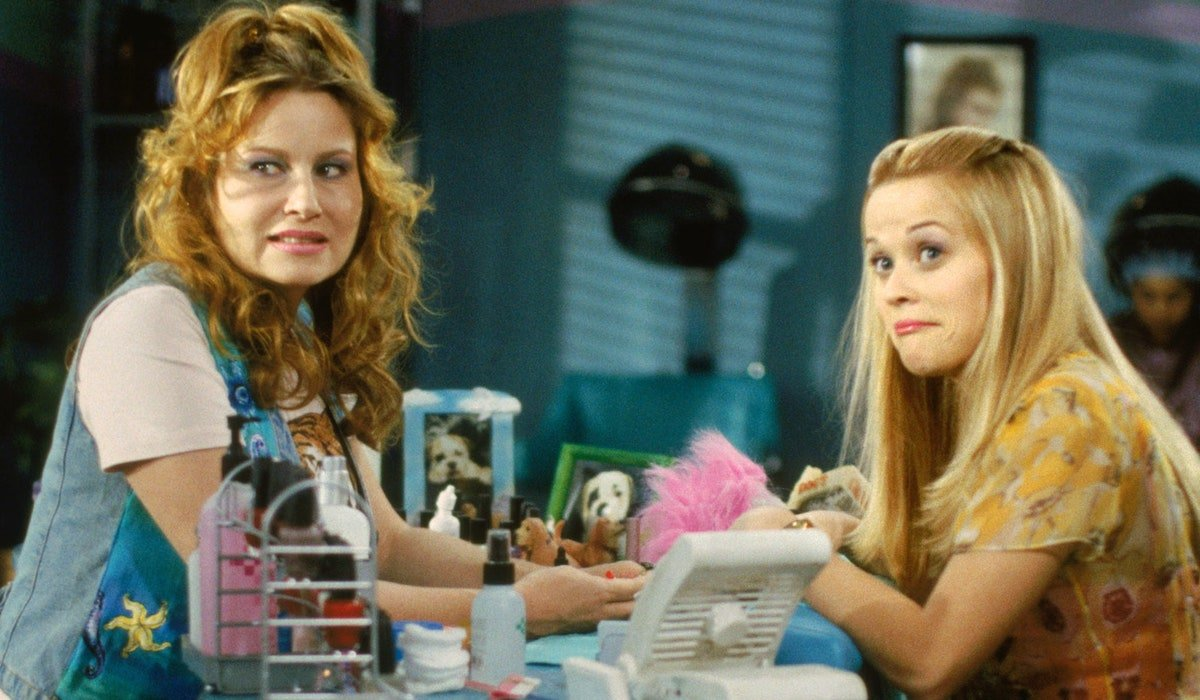 Jennifer Coolidge and Reese Witherspoon in salon in Legally Blonde