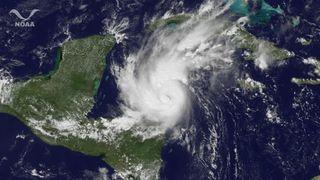 hurricane-rita-111024-02