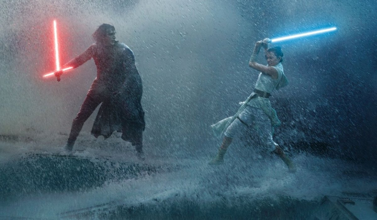 Star Wars: The Rise of Skywalker Kylo Ren and Rey dueling in the rain