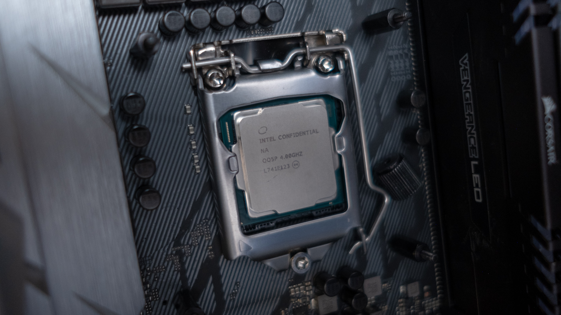 Leaked Intel roadmap points to the Core i9-9900K releasing in early