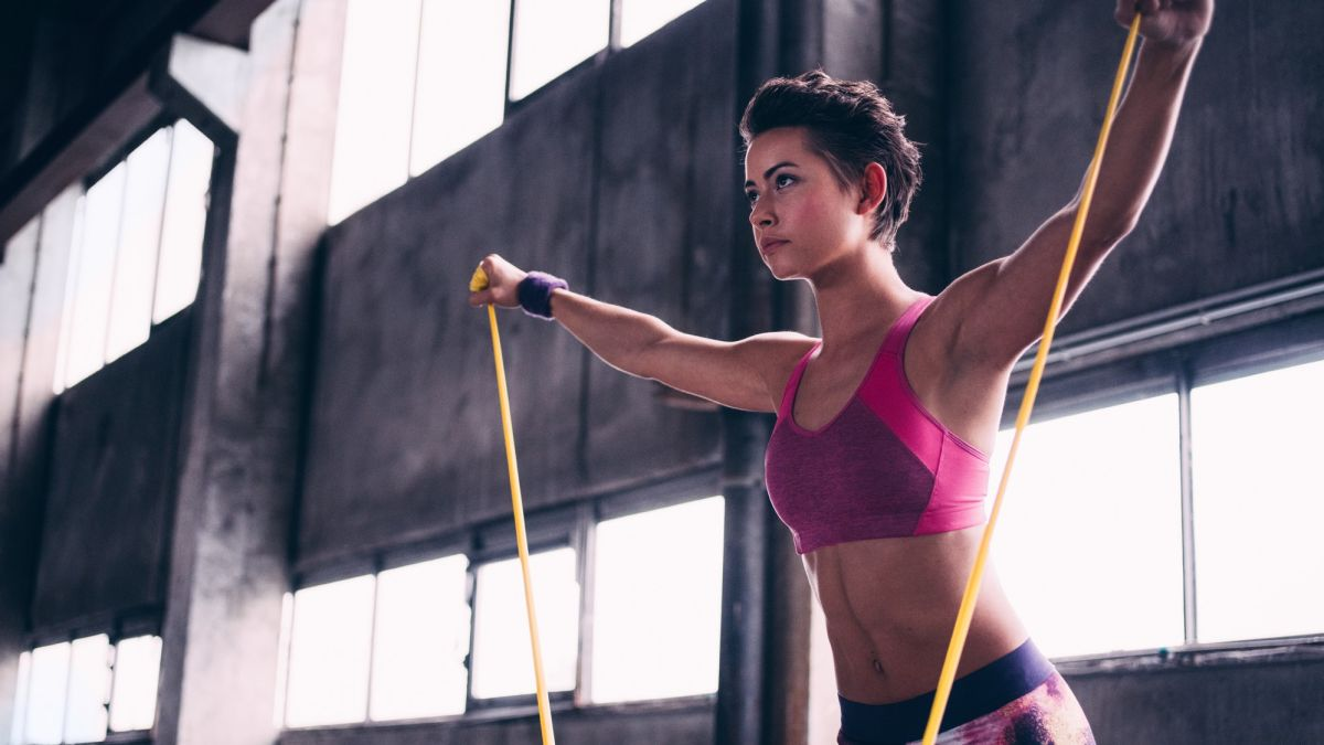 Resistance band exercises for a fast full body workout at home