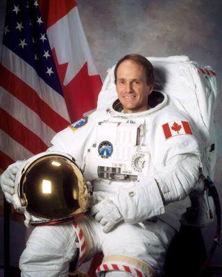 Astronaut Biography: Steven MacLean