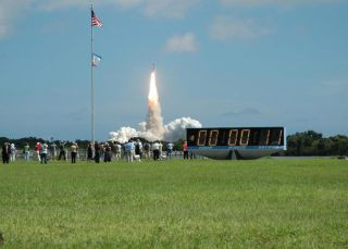 Liftoff! Space Shuttle Atlantis Launches on ISS Construction Mission