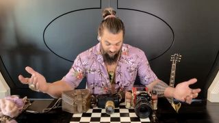 10 things Jason Momoa can't live without…including a trio of cameras!