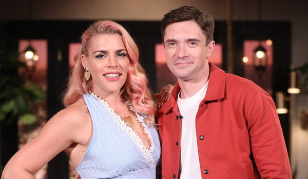 busy tonight busy philipps topher grace e!