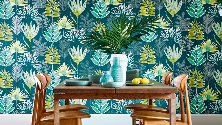 Botanical wallpaper: large floral leaf print