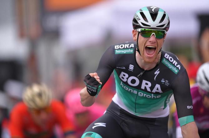 Sam Bennett wins stage 7 of the Giro d'Italia