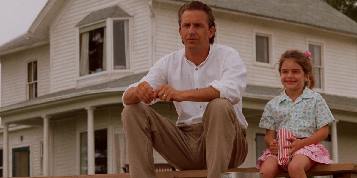 Kevin Costner and Gaby Hoffmann in Field of Dreams