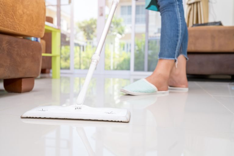 how to dry mop a floor