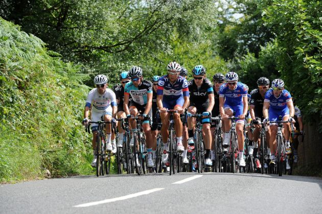 Peloton on Leith Hill, RideLondon-Surrey Classic 2013