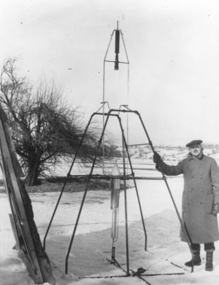 Goddard and Liquid-Fueled Rocket