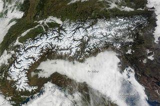 alps-mountains-110124-02