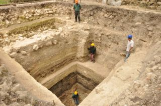 Maya excavations at Ceibal
