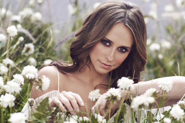 A quick chat with Jennifer Love Hewitt