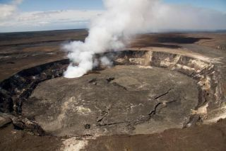 halemaumau-crater-110215-02