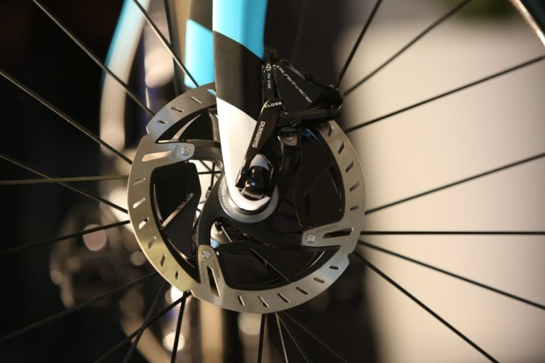 new shimano dura-ace r9100 groupset disc brakes