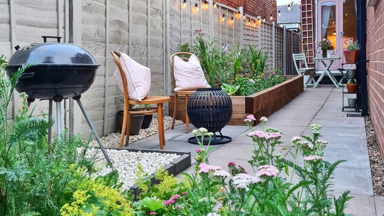 outdoor seating area with raised planter
