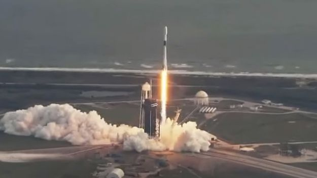 SpaceX launches classified US spy satellite, sticks rocket landing to cap record year - Space.com