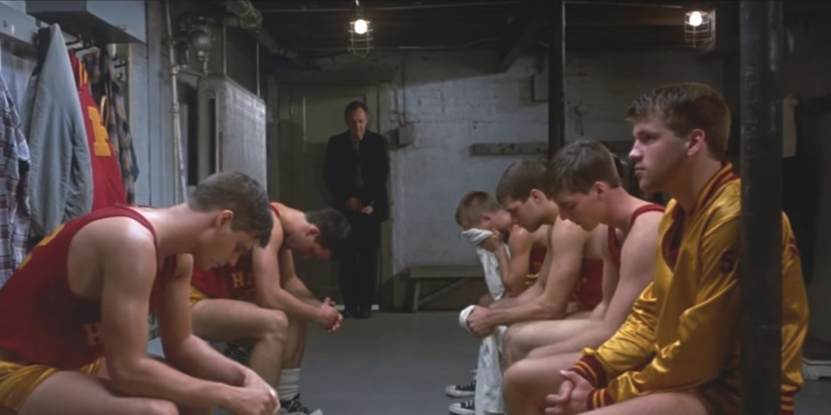 Gene Hackman talks to his team in Hoosiers