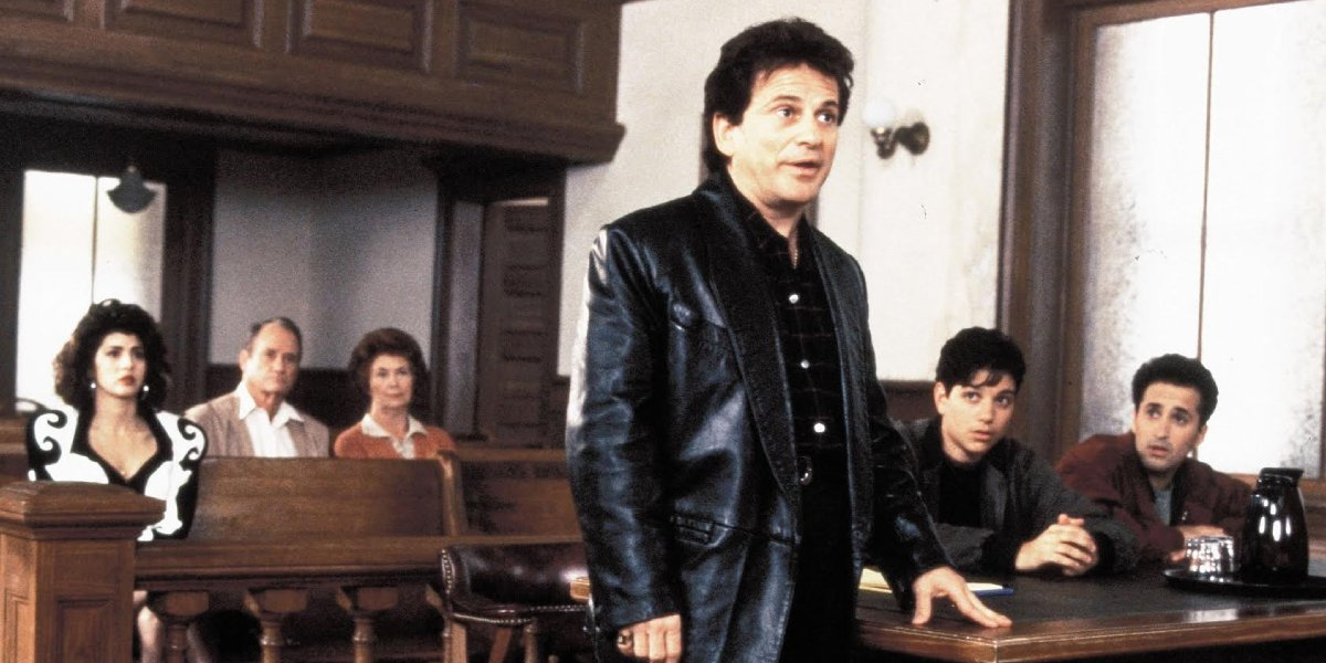 Joe Pesci faces the Alabama courthouse in My Cousin Vinny
