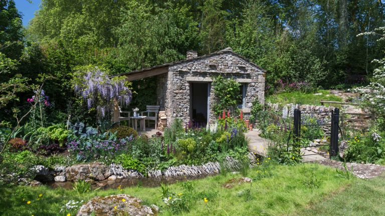 Romantic Cottage Garden Planting Is The Real Star Of This Years