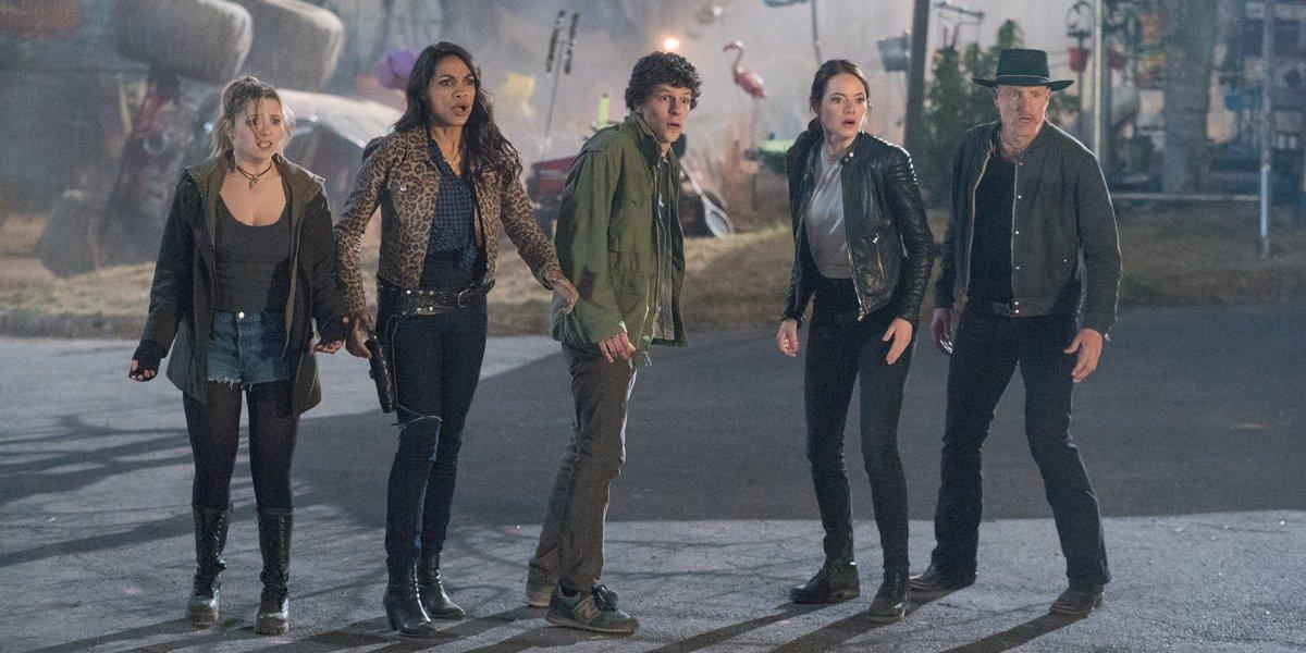 Abigail Breslin Rosario Dawson Jesse Eisenberg Emma Stone and Woody Harrelson in Zombieland Double T
