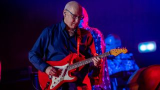 Mark Knopfler performs live