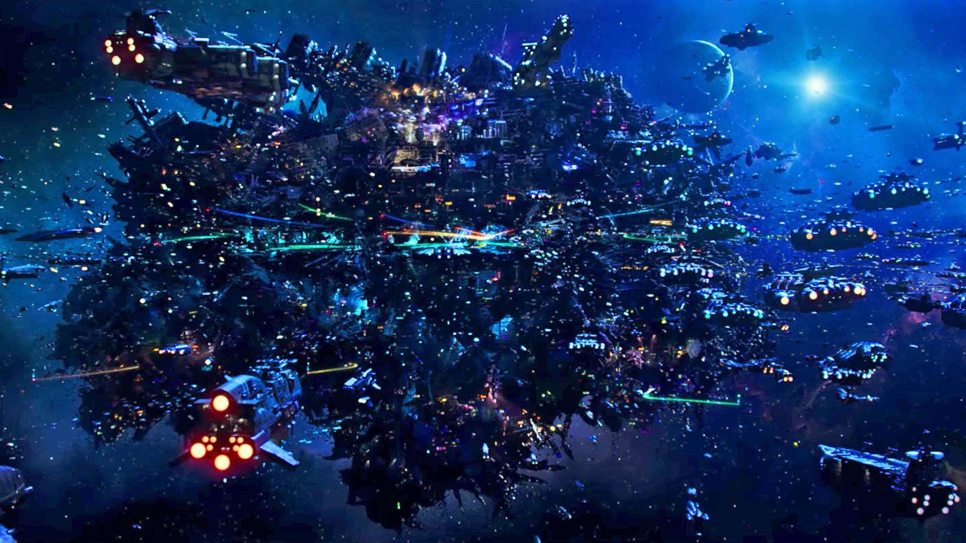 สถาณีอวกาศที่ชื่อ The city of Alpha ซึ่งรวมเอาอารยธรรมเอเลี่ยนต่างๆเข้าไว้ด้วยกันกว่า 1 พันดาวเคราะห์ (รูปจาก ภาพยนตร์เรื่อง Valerian)