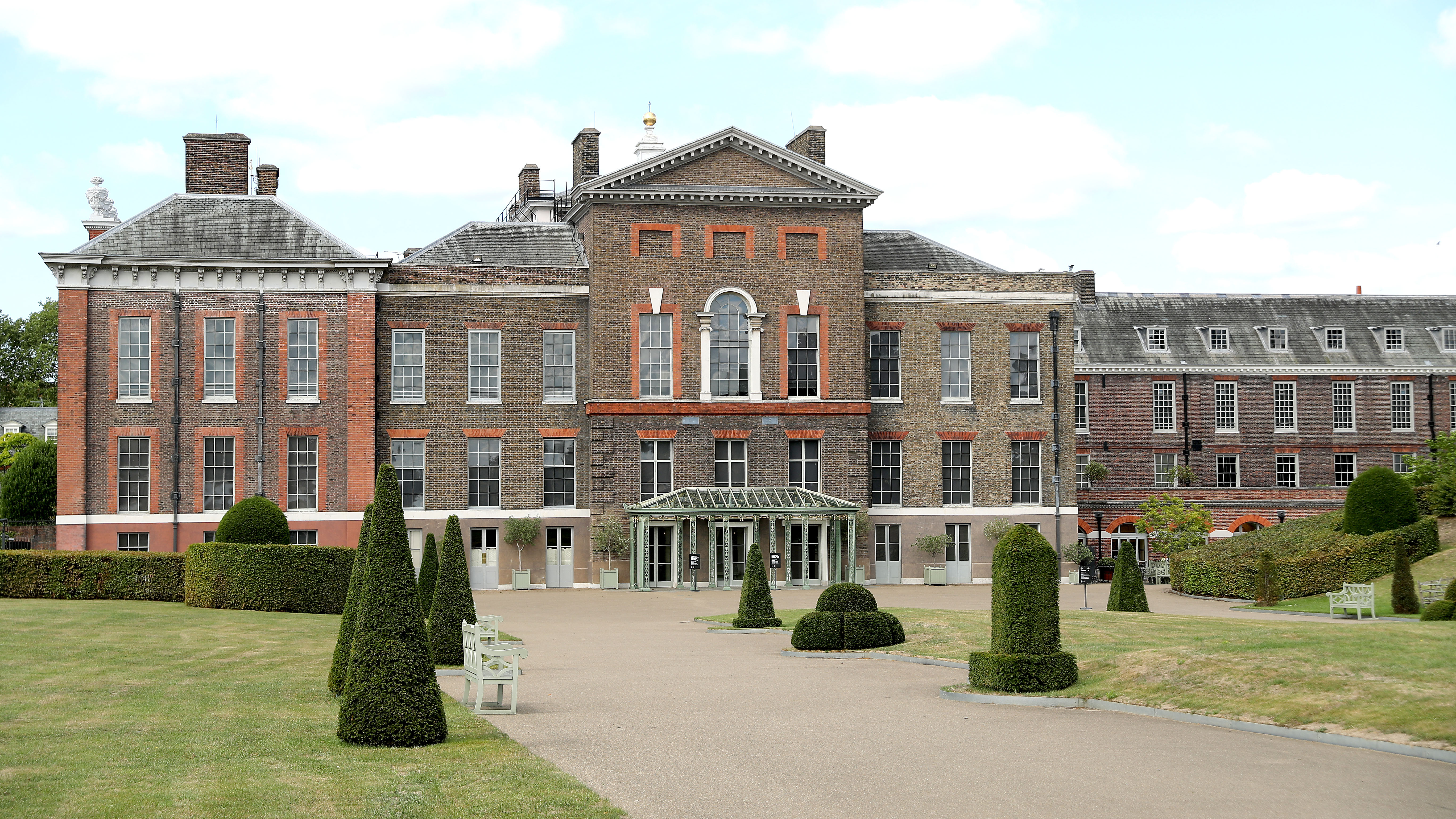 Kensington Palace Who Lives There And What S It Like Inside Woman Home