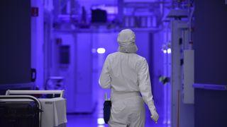 Intel fab worker