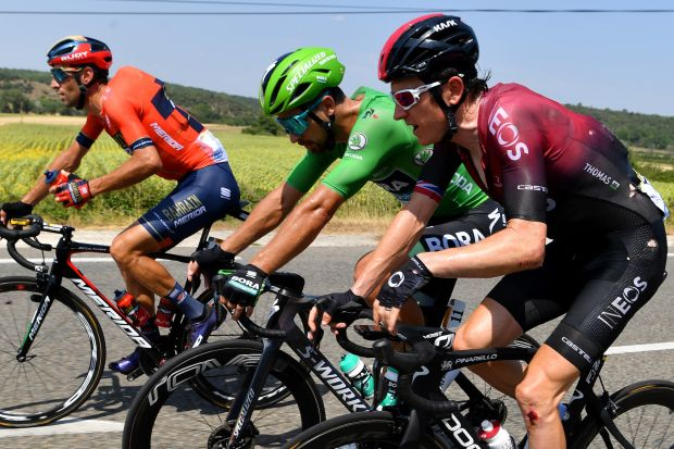 Watch: Geraint Thomas crashes in bizarre fall on stage 16 of Tour de France