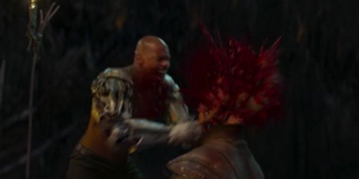 Jax Smashes Reiko's Head Mortal Kombat